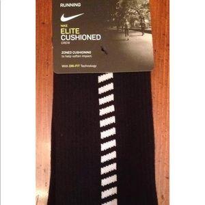 Nike elite Cushioned crew Socks 8-9.5